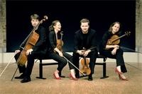 08_Armida-Quartett_Klavierbank_300dpi