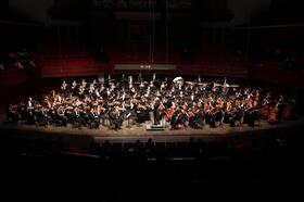Jedinečný koncert 100 členného čínského symfonického orchestru Shenzhen Symphony Orchestra